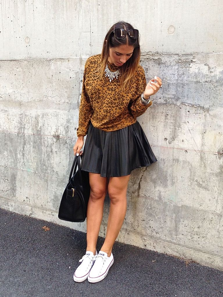 leosweater10