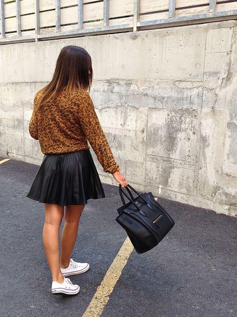 leosweater15